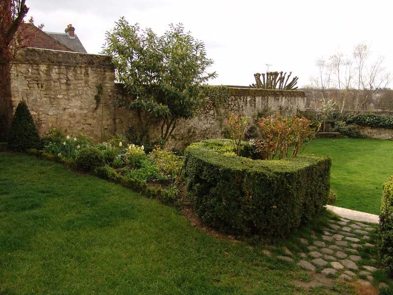 Entretien espaces verts jardin d cor paysagiste oisejardin for Decor paysagiste jardin